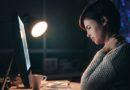 Dispositivos electrónicos causan dolor de cuello