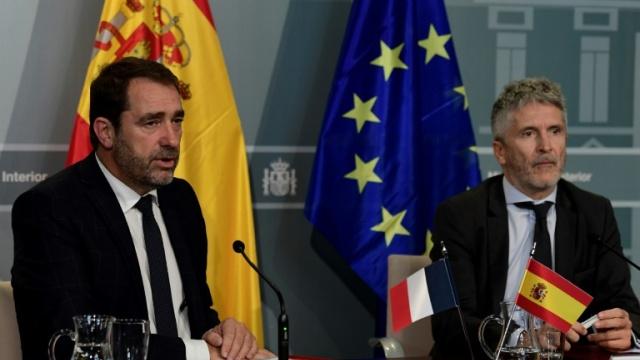 Gobierno español amenaza nuevamente a Cataluña