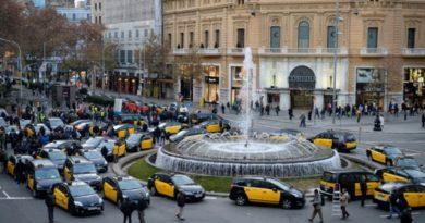 3 detenidos por huelga de taxistas en Barcelona